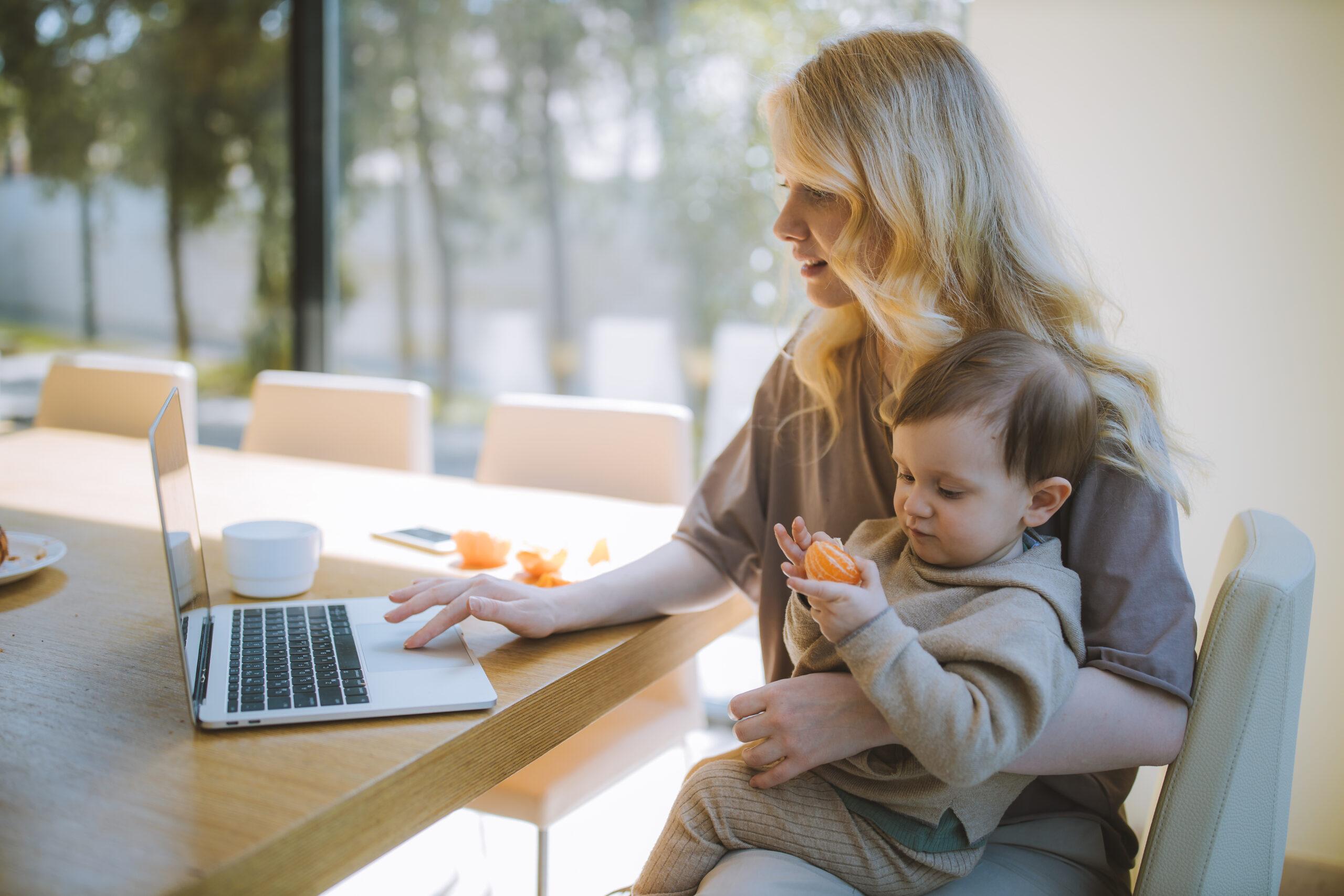 Nebenberuflich selbstständig in der Elternzeit